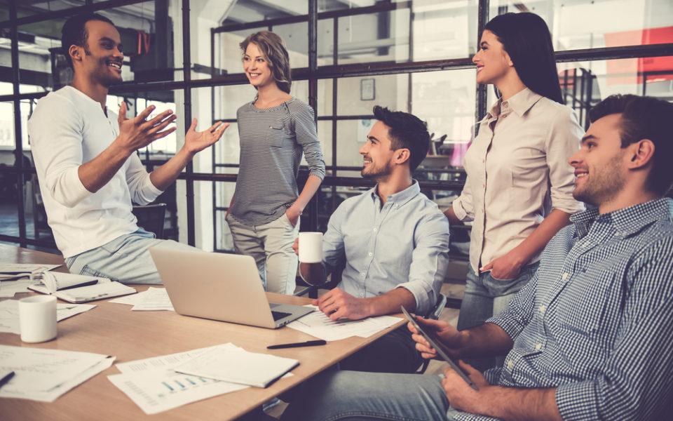 Por que engajar colaboradores na redução custos
