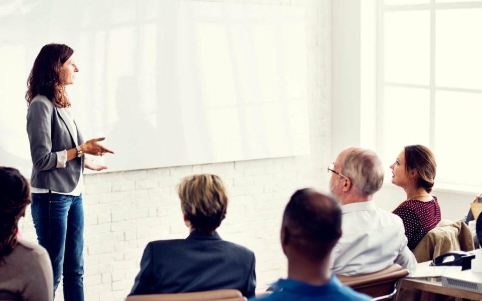 Como criar um programa de treinamento dos colaboradores?